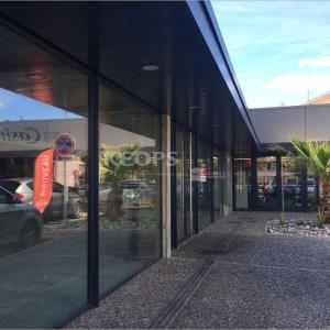 Location Commerce/boutique 77 m² non divisibles