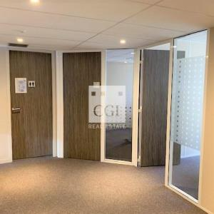 Location local commercial 145 m² à LYON 06