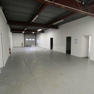 Location local d\'\'activites 355 m² non divisibles