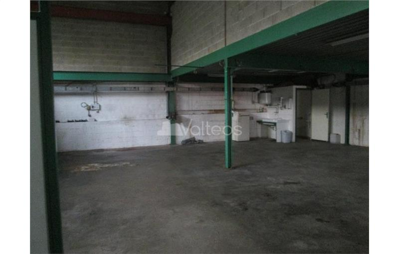 Location local d\'\'activites 171 m² non divisibles
