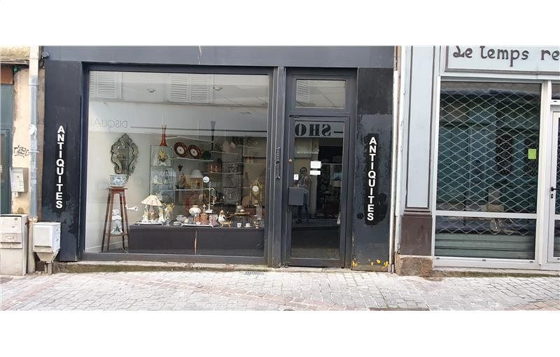 Vente local commercial 24.61 m² à LIMOGES