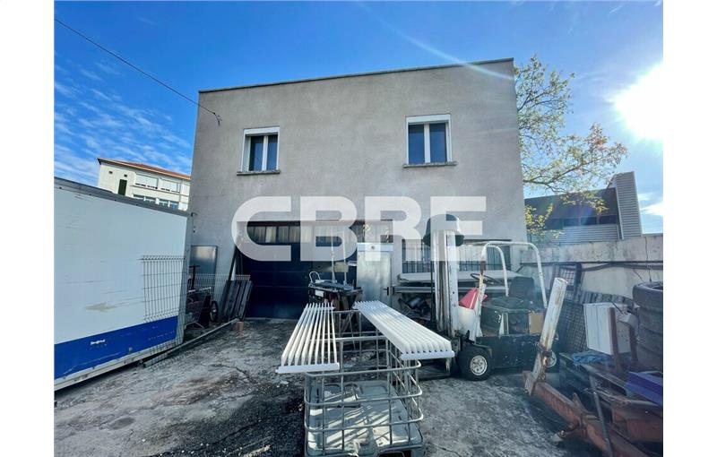 Location local commercial 222 m² non divisibles